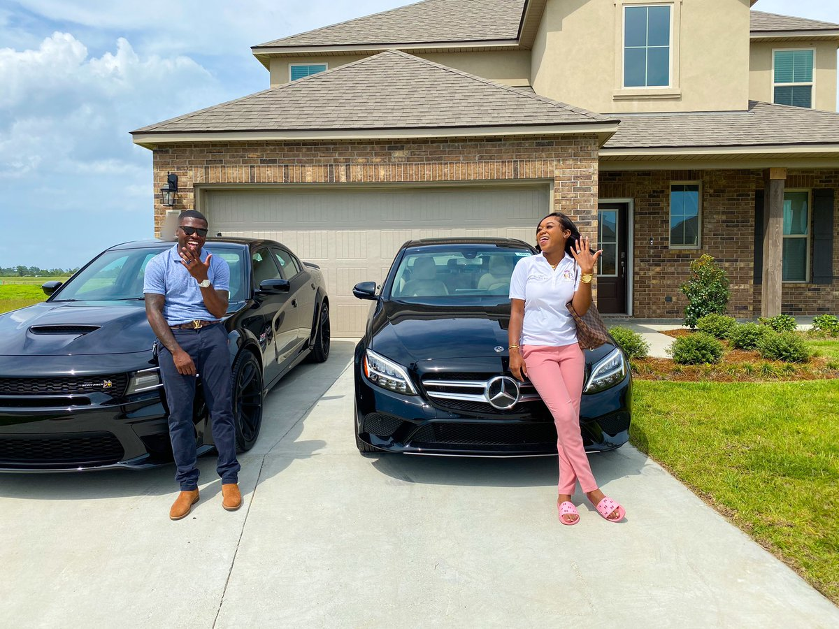 I'm 22 years old, my husband is 25 years old.. business owner, married & giving our kids the best life!! All our goals are being knocked out the park!!! THE HIGHTEST PRAISE GOES GO GOD, WITHOUT HIM NONE OF THIS IS POSSIBLE!!🥺 https://t.co/9jaeZ2PWmA