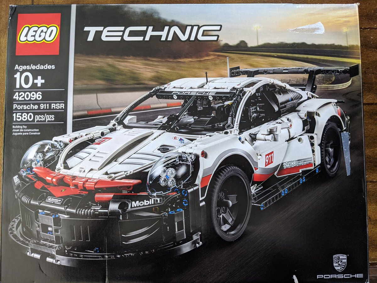 I know what Im doing on my PTO! #Porsche #LEGOpic.twitter.com/VKp6RoTy0g