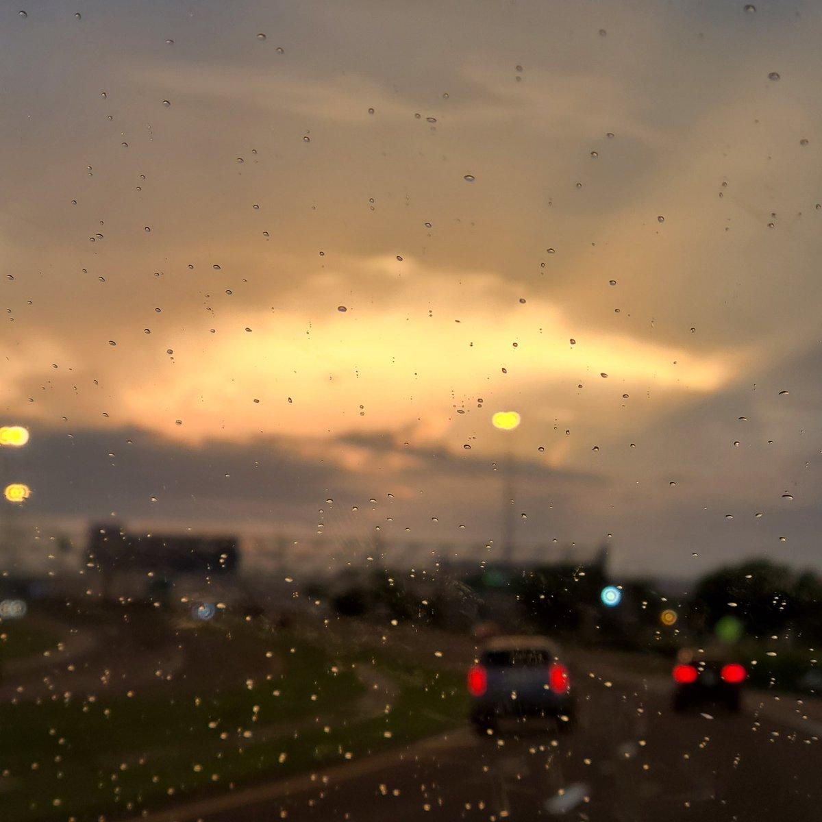 Sssssiimmbaaaaaa  #capecanaveral #sunset #mufasa https://t.co/HBYckAIPHS
