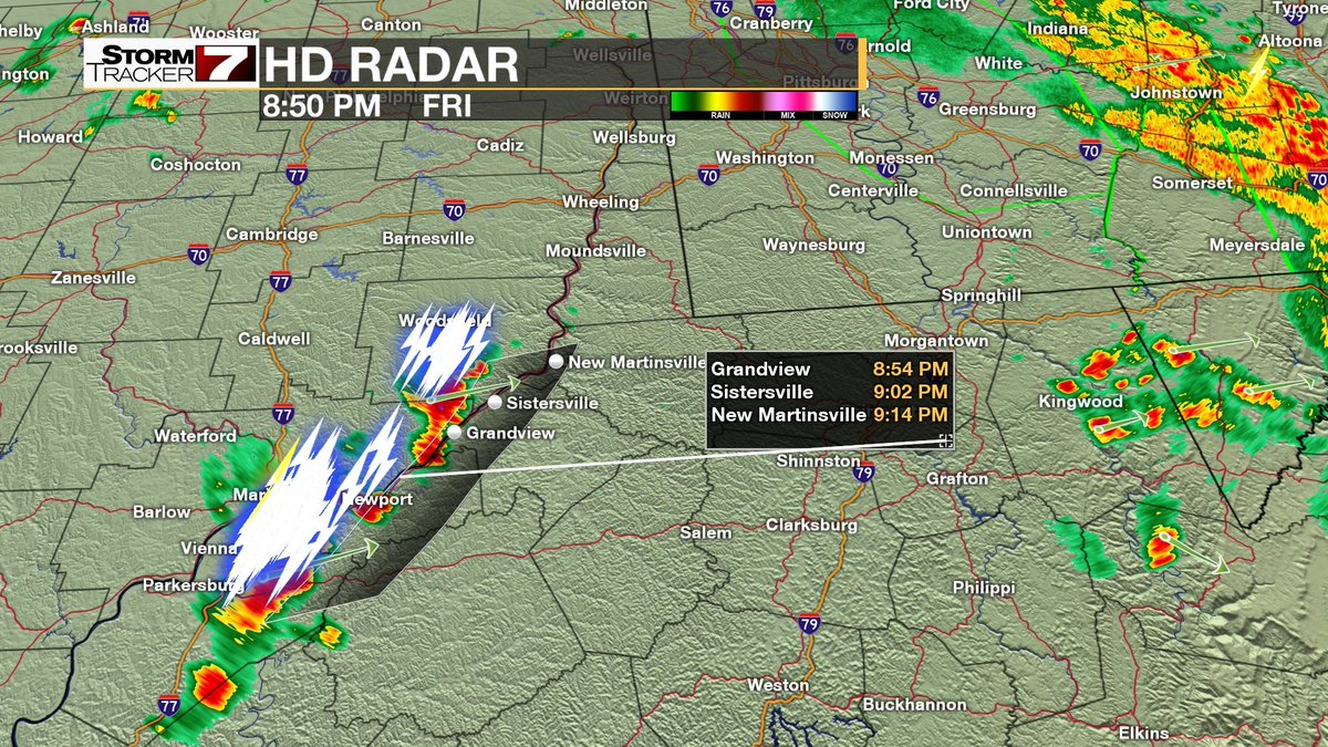 Thunderstorms arriving from Grandview to New Martinsville shortly after sundown. 7NEWS at  6, 10 and 11 pm.pic.twitter.com/kkZvjuWIn8