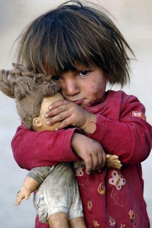هناك فيروس يقتل 8500 طفل يوميا حول العالم ! اسمه (الجوع) وله لقاح يسمى (الطعام) لكنهم لم يفعلوا له ضجه هل تعلم لماذا ؟ لأنه لا يقتل الأغنياء..  #منقول  #صباح_الخير https://t.co/9sVCGupzMY