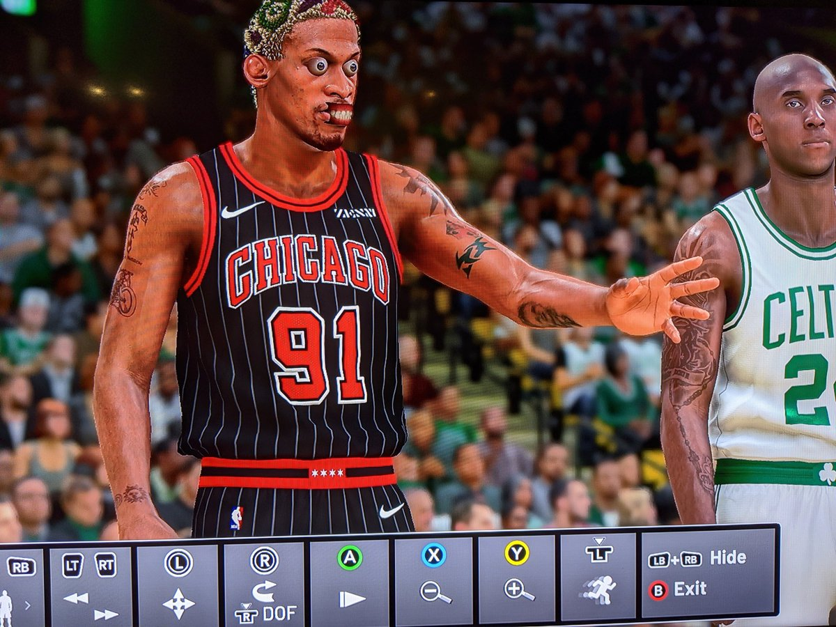 What the hell .. anyone see Rodman ever do this? This was during a free throw. I had to do a double take to see if I was imagining this. Lol  He got all creepy for a quick second.   #MyTeam @NBA2K_MyTEAM https://t.co/F5ddDArGkG
