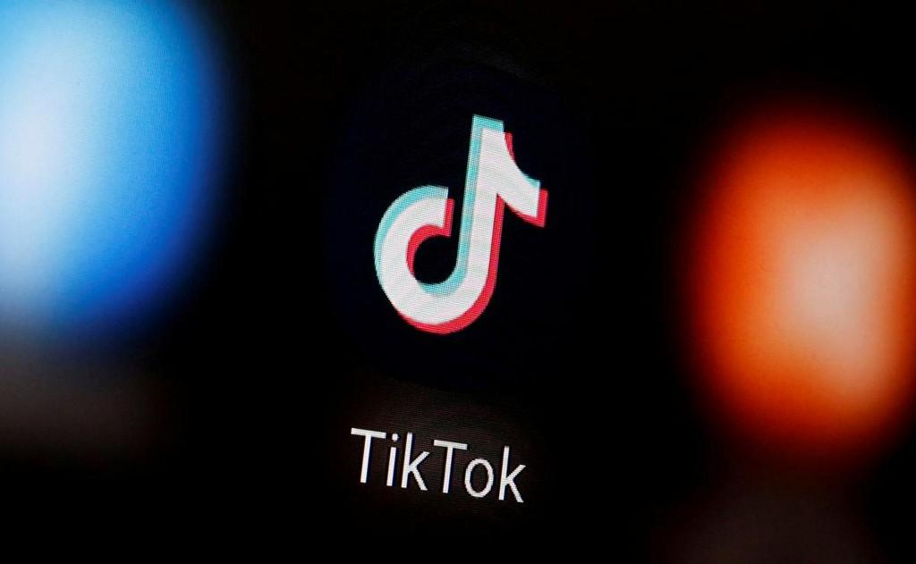 bans, then un-bans TikTok app from employee mobile devices