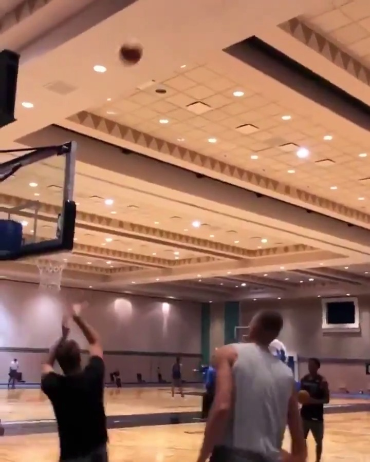 Luka's trick shot off the ceiling 👀 (via @think2win)