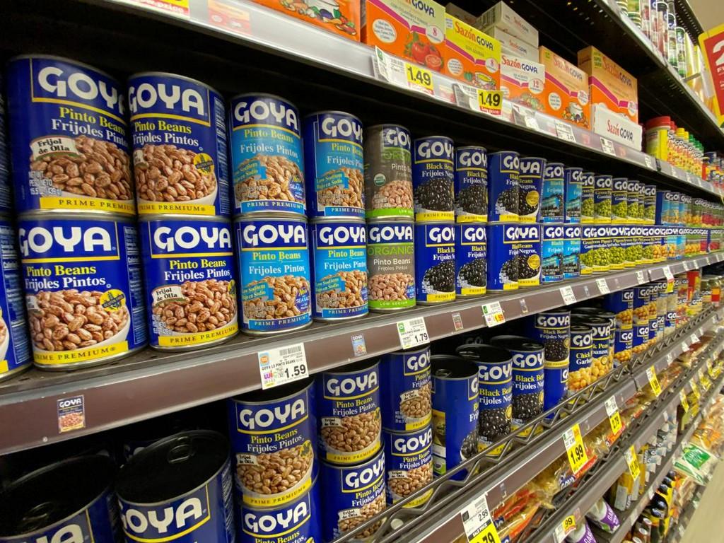 Head of leading Hispanic-owned U.S. food company sparks backlash over praise for Trump https://t.co/z8Hu6jkAEv https://t.co/mYMMiOQjww