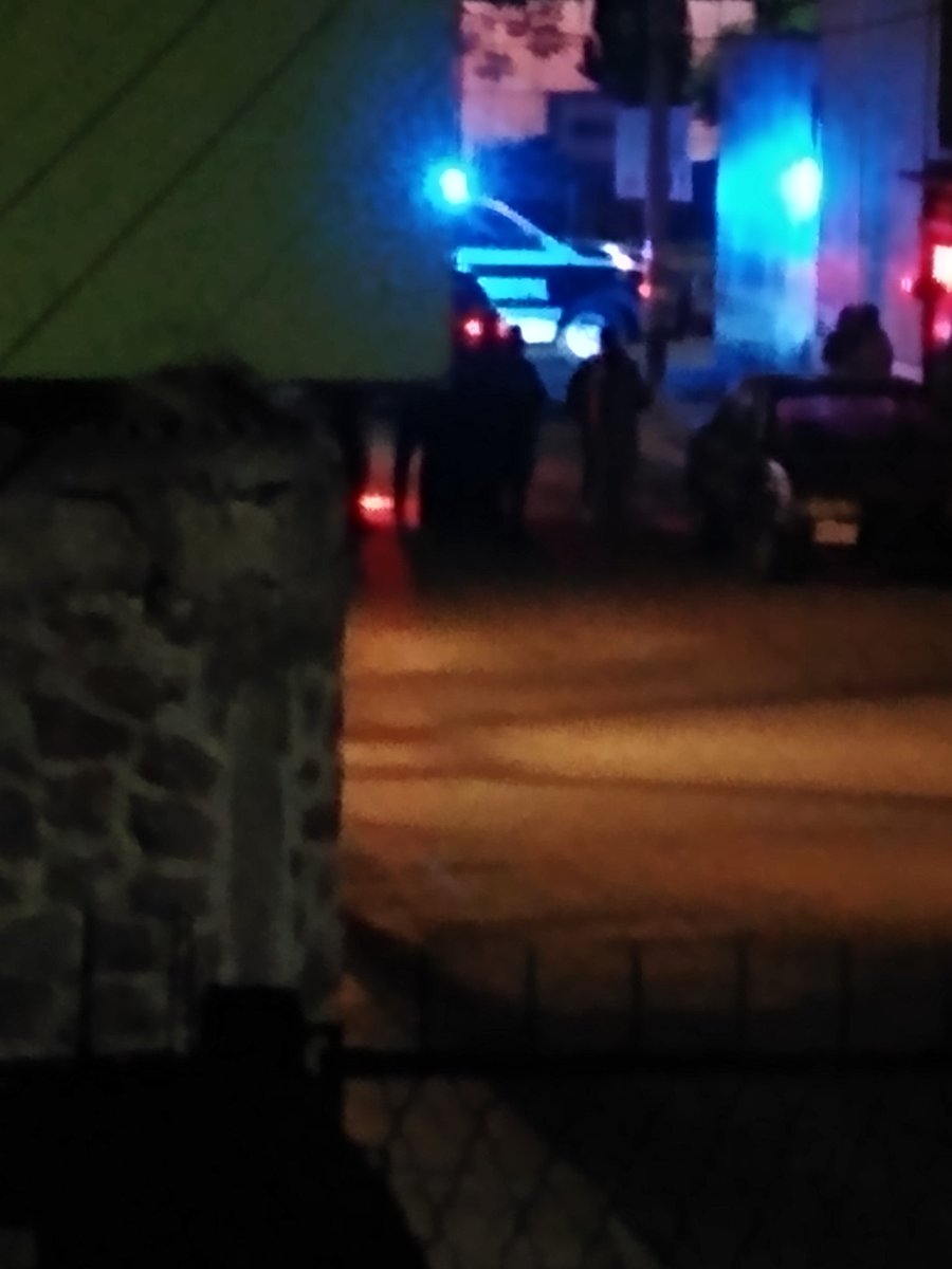 Balacera en Infonavit Amalucan, Retorno Laurel esquina con Blvd. Xonacatepec. @itzivalencia @RedLopezDiaz @JCarlos_Valerio @RubiDelRazo https://t.co/N6zOmUmiu7