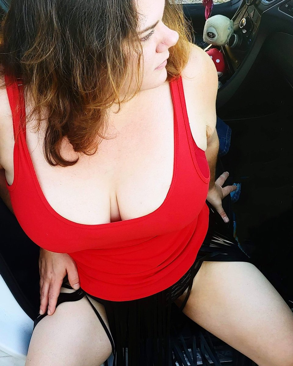 Love me in the color red.   #love #BodyPositivity girl in red #CURVY #curvywomen #bustywoman #bustyboobz #confidence #CurvyGirlsRock #onlyfansbabe #Onlyfanspromotion #TGIF #TGIFriday #FridayVibes #FridayFun #beautiful #beauty #loveyourbody #bodyconfidence #bodypositive #loveme