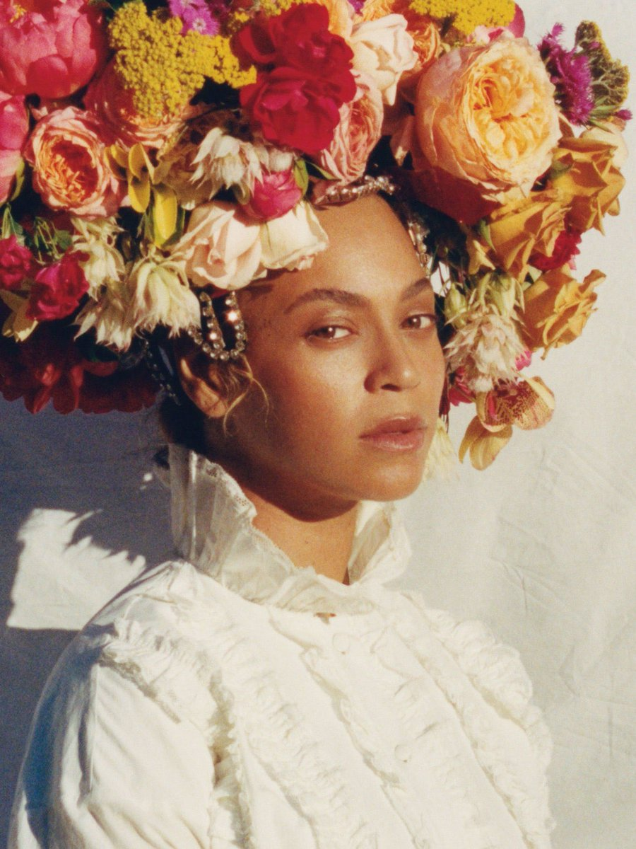 Let's start a thread: The art of photographing black skin - I'll start with a personal favorite. Beyoncé by Tyler Mitchell ⬇️ https://t.co/cwG3nF9JLW