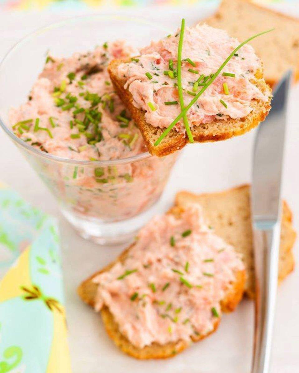 Rillettes de saumon frais  C'est bon, facile et frais #recettes #saumon #recette #rillette #été #poisson #cuisine #cuisineetmets #instafood #instacook