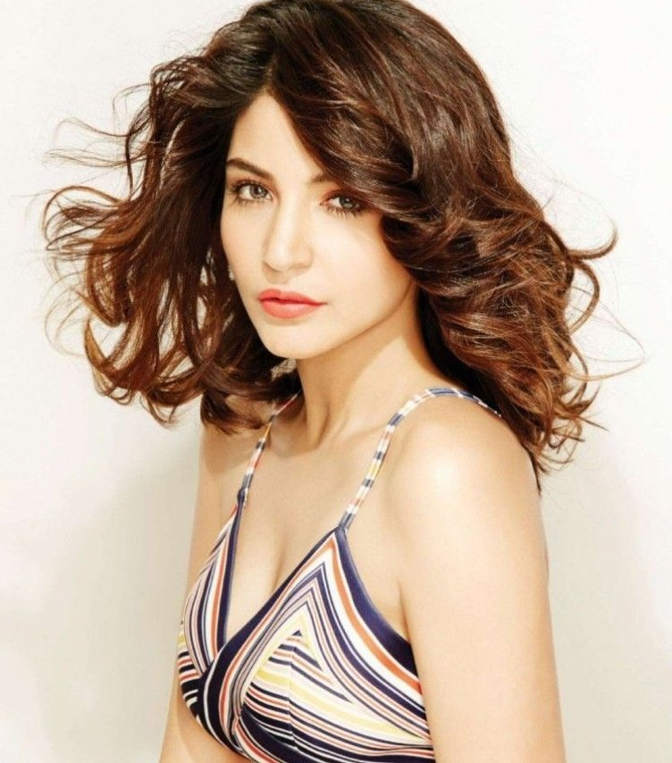 @AnushkaSharma as cakes,a thread:  #AnushkaSharma