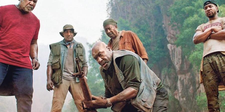 Da 5 bloods directed by Spike Lee revolves around four war veterans who return to Vietnam for retrieving the gold they left back and remains of their friend. A history of Black's struggle is shown ranging from Muhammad Ali to Angela Davis. #Da5Bloods #spikeleepic.twitter.com/cAt5RNO38A