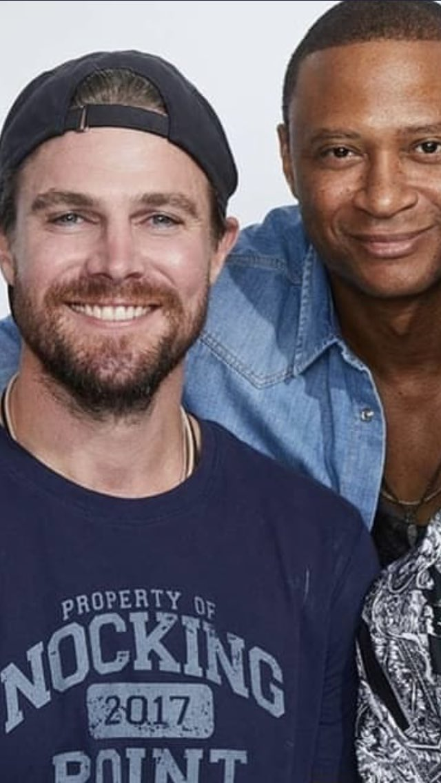 Day 3 - renovation of my new room. Everything hurts 😬🤪. Hope I can finish today 😁. #HappySaturday Need some nice on my TL for it - maybe with these guys? #StephenAmell #DavidRamsey #Bromance #Arrow https://t.co/T1vX97kqxX