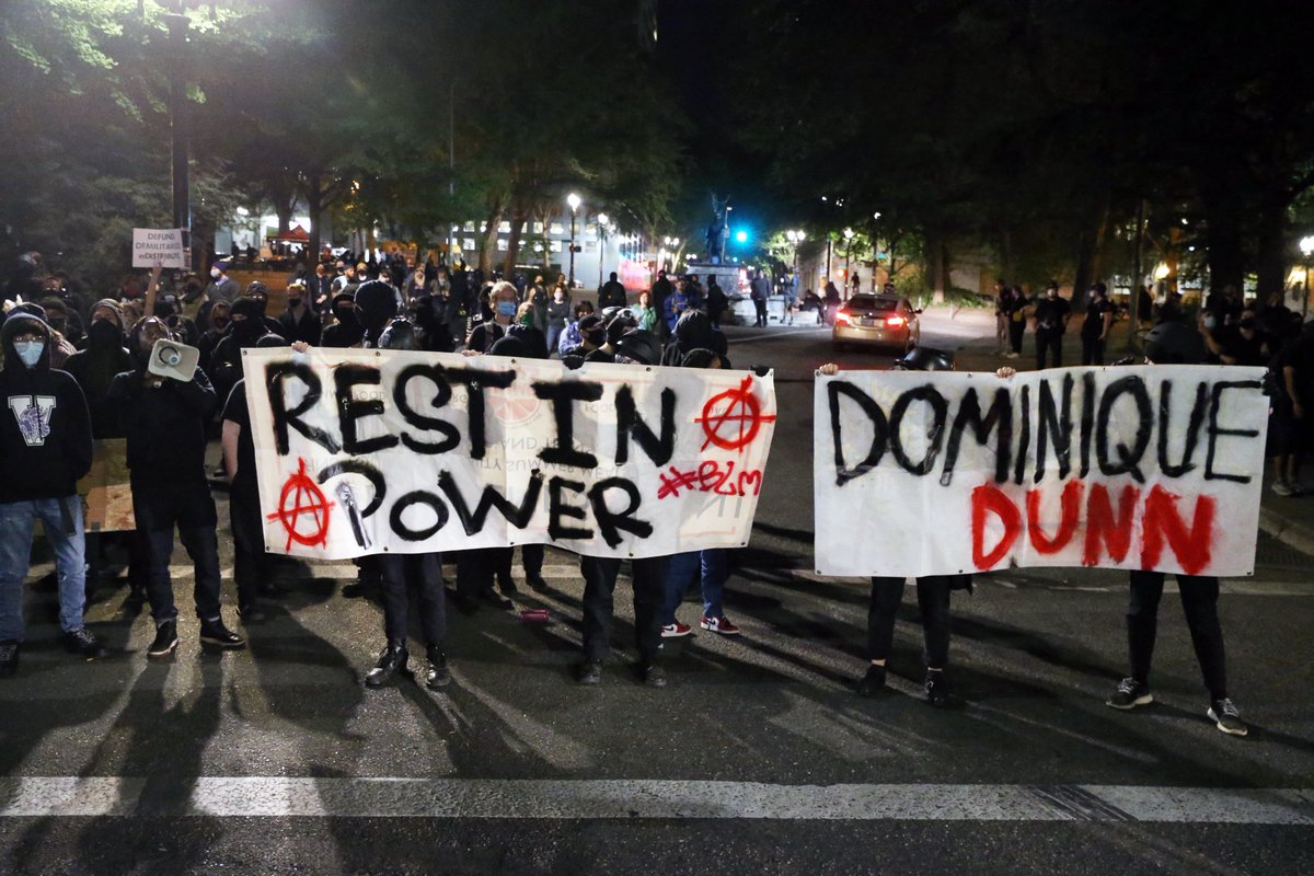Antifa have gathered in downtown Portland & started fires on the street. They have banners about Dominique Dunn, who was shot & killed outside a strip club yesterday. Family members & antifa started rumors, without evidence, that it was a racist attack. https://t.co/aAuRg85eA8 https://t.co/2dX1VHkXIT