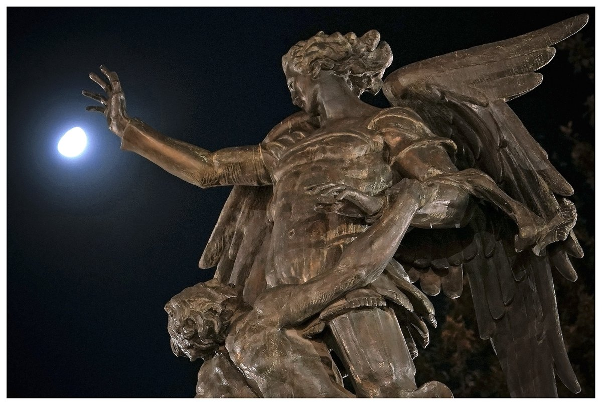 Luna & Monumento a Beethoven, así inicia el sábado 11 en la Alameda Central de la Ciudad de México. #CDMX ##SemáforoNaranja #Covid_19 😷 #FelizFinDeSemana #moon #photography #photooftheday #luna #life #193 (AD290101) 🇲🇽 11JUL20 PIX📷DA https://t.co/zbo1KEHHaL