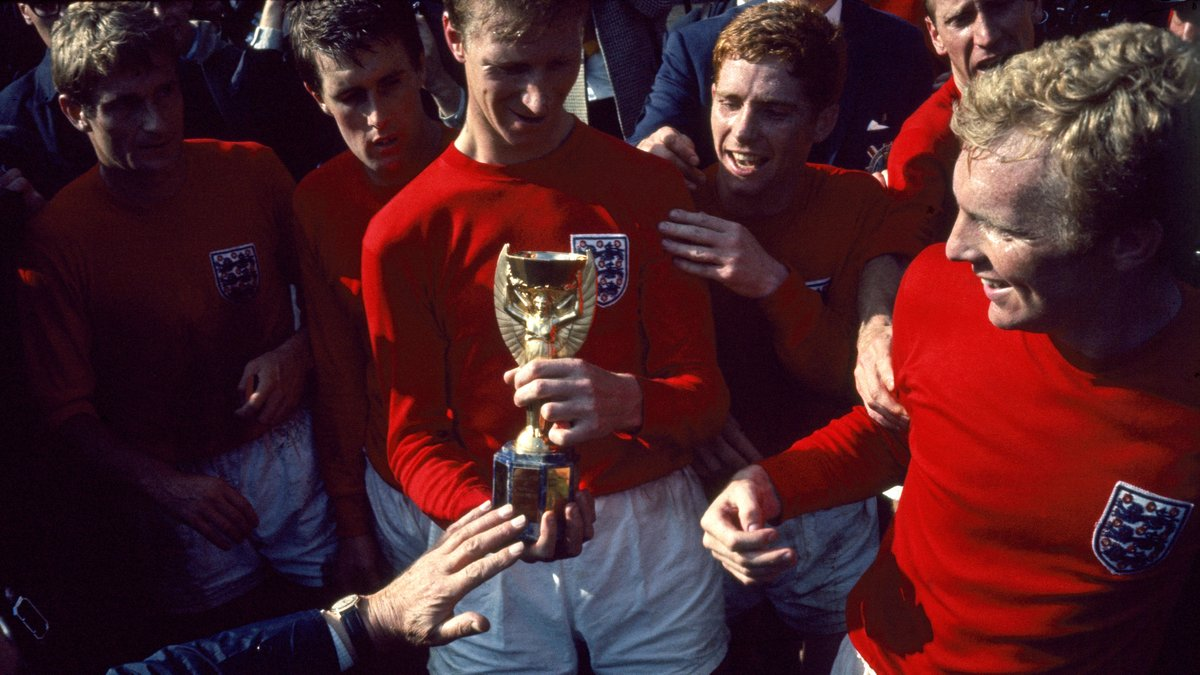 We are devastated by the news that Jack Charlton, a member of our World Cup-winning team of 1966, has passed away.  Our deepest sympathies are with Jack's family, friends and former clubs. https://t.co/eSGjbOpo7Y