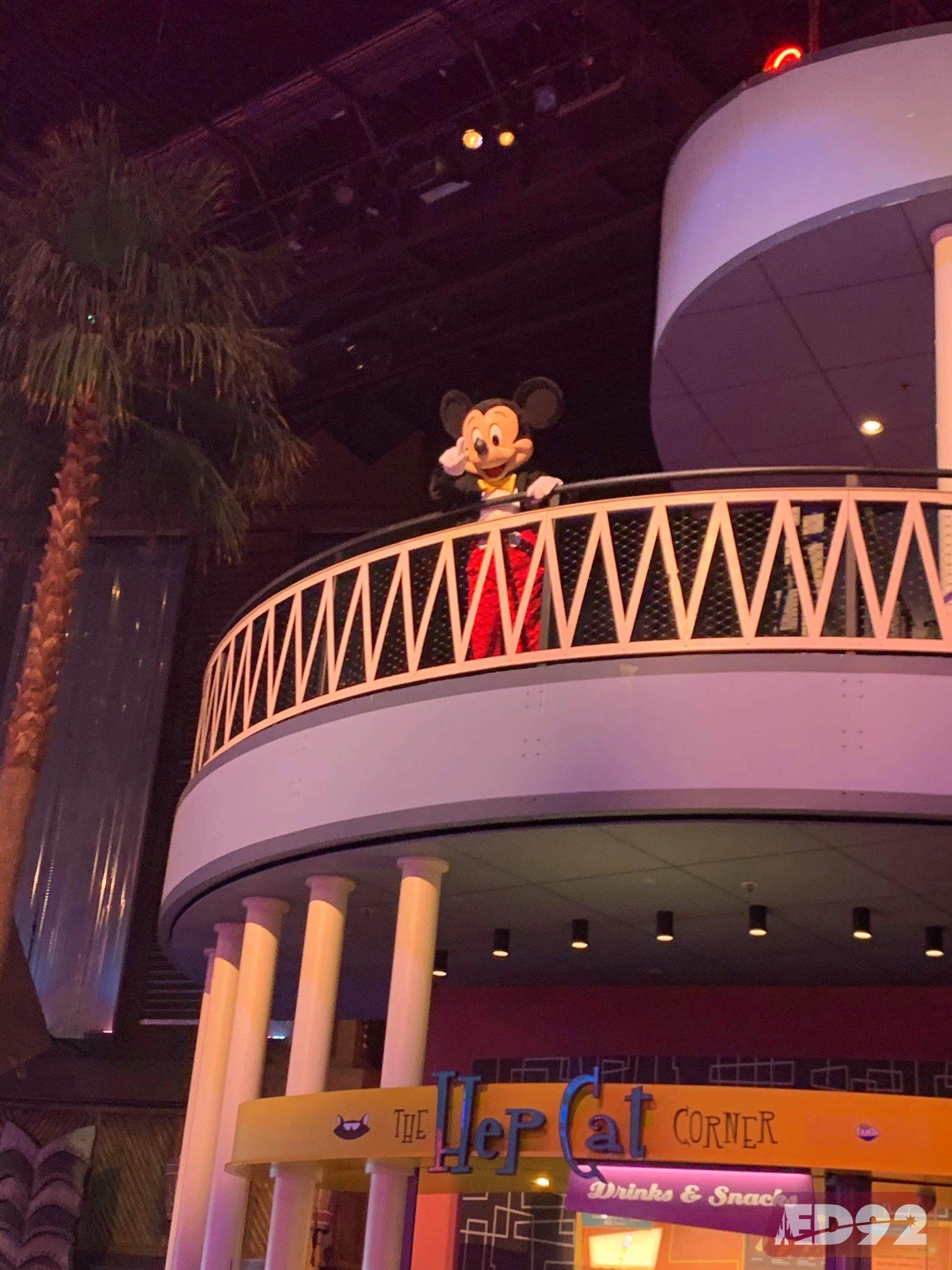 Disneyland Paris ouvert pendant la COVID-19 (juillet-octobre 2020)  - Page 2 EcoYi7XWAAANZMJ?format=jpg&name=large