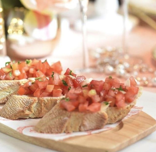 Start your experience with us trying our delicious bruschetta 🇮🇹 #lunchtime #lunch #delicious #homemade #food #foodporn #yummy #foodie #instafood #instashare #londoneats #londonfoodlovers #italianrestaurant #italianfood #healthy #healthymeal #londonfoodblog #foodinlondon