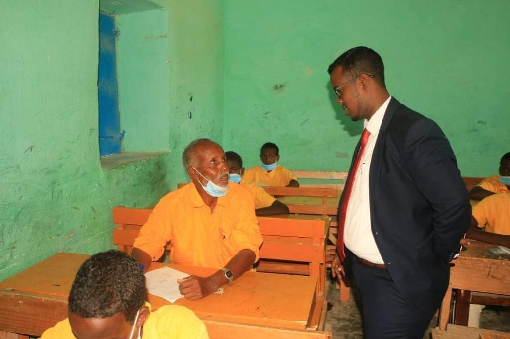 With peace, we can hope to benefit from our Country. the story of this 80-year old sitting for School exam is a proof of the hope and optimism that is currently prevailing in #Somalia we should preserve this peace.  #Youth4peace  #UNICEF  #SaveTheChildren  #MOEP