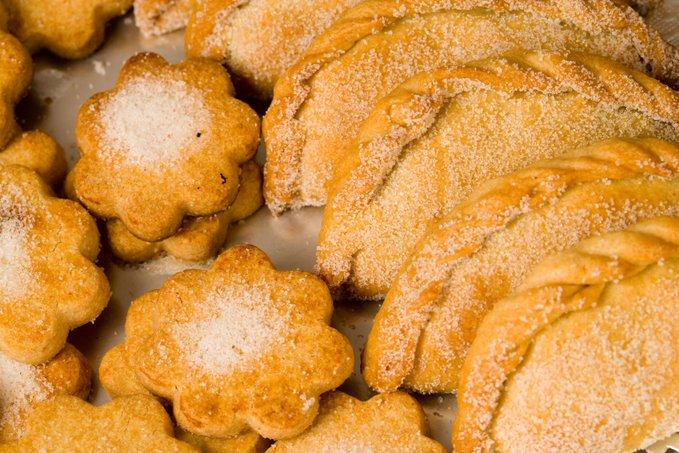 Coneixeu les #coquetes o #corassons? 😉 Són les pastes populars del receptari festiu de les #TerresdelEbre i ens encanten! 😋😋 @terresebretur @SomGastronomia