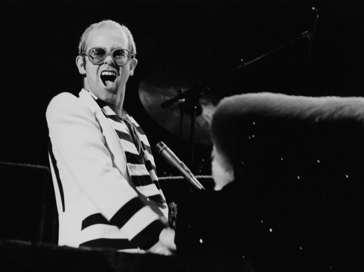 My dear friend @EltonOfficial has announced a new concert series of some of his classic shows, airing every Saturday for the next 5 weeks in support of @EJAF's COVID-19 Emergency Fund. Tune in tonight at 5pm BST to see him in Australia from 1986: youtube.com/user/EltonJohn