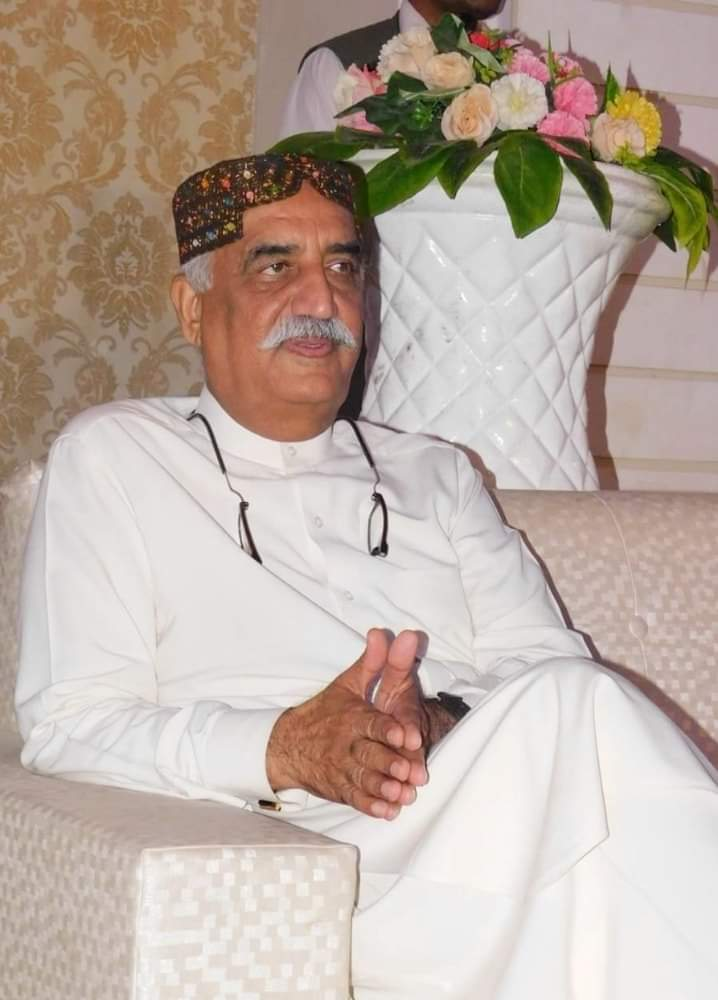 He is the fighter, who is in a fight of saving Pakistan & making the best out of it. He is the giver, who gave Pakistan his time, his struggle & his achievements.  He is the hope of Pakistan.  @S_KhursheedShah #ReleaseSyedKhursheedShah<br>http://pic.twitter.com/afT0122q6T
