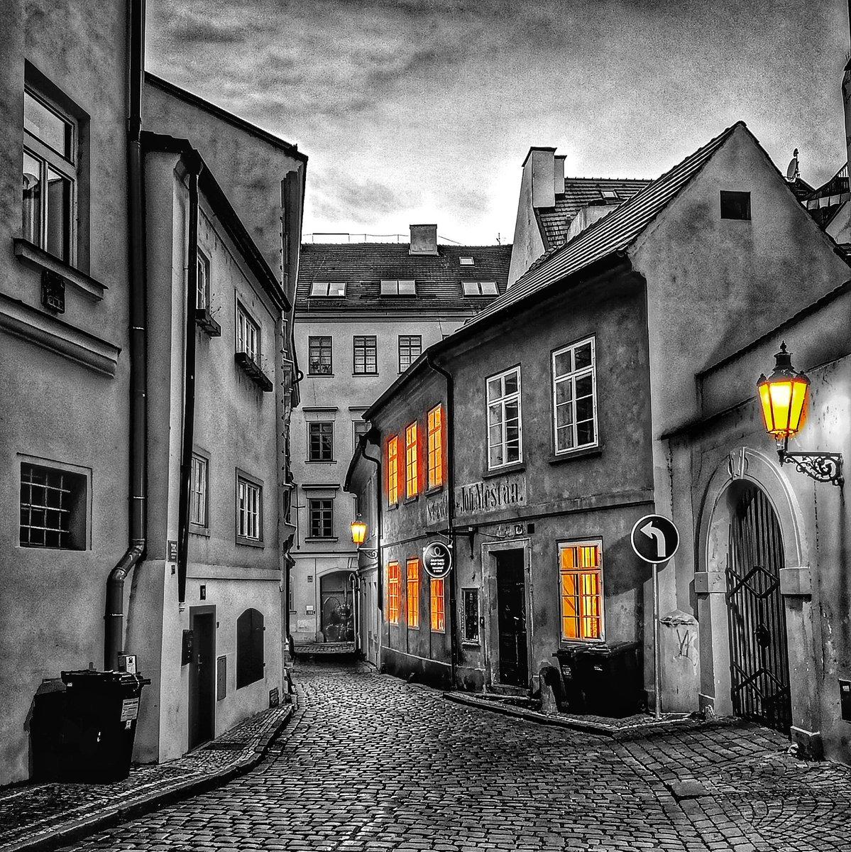 P R A H A  #prague #praha #czechrepublic #ceskarepublika #streets #blackandwhitephotography