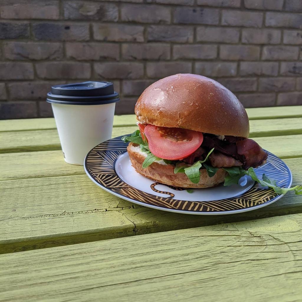 Oh @woodstcoffee how I've missed you   #woodstcoffee #breakfast #blt #sandwich #coffee #flatwhite #londonigers #london #walthamstow #e17 #discoverunder5k https://instagr.am/p/CCfvAn4ldpL/pic.twitter.com/u7YwJwg9JQ