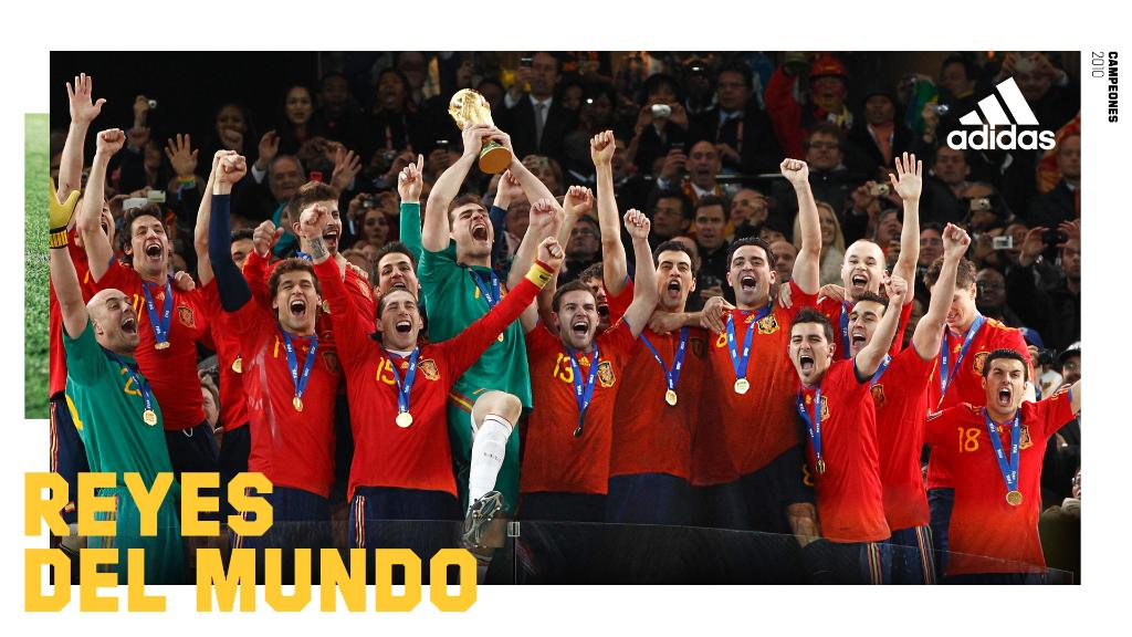 10 años. 1 país.  1 estrella.⭐ Campeones del Mundo 2010. https://t.co/iONO2q0srj  ///  @Sefutbol @IkerCasillas @R_Albiol @MarchenaOficial @Guaje7Villa @juanmata8 @aarbeloa17 @llorentefer19 @Javi8martinez #XaviHernandez #XabiAlonso https://t.co/EMF2VN4ZAW