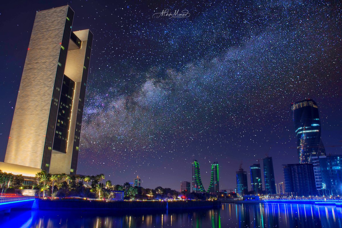 """STAR-GAZING @ BAHRAIN BAY""  A milky way view of Four Seasons Hotel Bahrain Bay. Shot with my trusted Nikon D7200 + Tamron USP-17-50mm f/2.8  #fourseasonshotel #fourseasonsbahrain #milkyway #nikonmea #nikonmiddleeast #NightPhotography #mhikemenesesphotography #longexposure pic.twitter.com/cRfUb4uVVk"