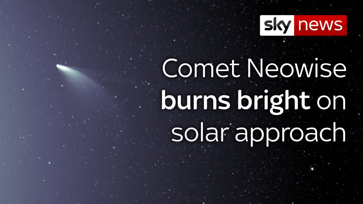 Comet Neowise can be seen burning brightly against a backdrop of stars, as the path of its orbit takes it nearer to the Earth ☄️ For more science news, click here: trib.al/3Mhknq7