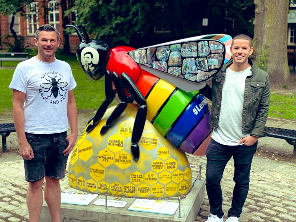 Excited to say @LGBTQ_QueenBee is back home in #SackvilleGardens, after the wonderful @CJTaylordArt spent many hours renovating & revamping 🏳️🌈🐝 A redesign now incorporates the stripes of POC and our #trans siblings 💕 thanks to @newyorkbarmcr @ManCityCouncil @ManchesterPride