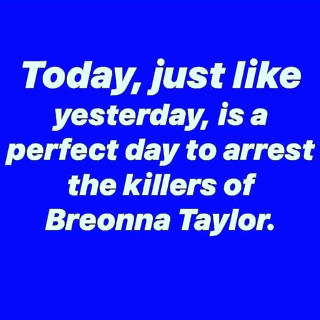 🗣 #theshowmustbepaused #enoughisenough #wenotdoneyet What if it was one of YOUR love one's? #BREONNATAYLOR✊🏾 Keep fighting for her, keep saying her name. Call, email, post, protest, harass our elected officials. DO SOMETHING. #keepsayinghername Breonna Taylor #HERlifemattered https://t.co/ZTV0ITLczp