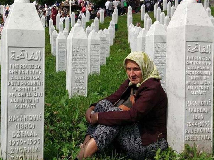 البوسنيون يحيون مرور 25 عاما على #مذبحة_سربرنيتسا التي راح ضحيتها أكثر من 8 آلاف مسلم ، وتعد جريمة الإبادة الجماعية الوحيدة في أوروبا منذ الحرب العالمية الثانية .. بالأمس تباكت شرذمة على إعادة #آيا_صوفيا مسجدا .. فلماذا يغيبون اليوم عن إدانة هذه الجريمة ..؟ https://t.co/HjvrEfbBax