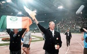 The man was bigger than Santa Claus. RIP Jack Charlton. 💔