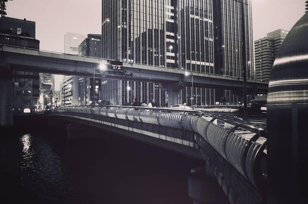 大阪・中之島 渡辺橋  Pentax k-5Ⅱs+Tamron SP AF17-50mm F2.8 XR DiII+kenkoフォギー(b)n  #大阪 #osaka #中之島 #nakanoshima #渡辺橋 #堂島川 #doujimariver #橋の写真 #bridgephotography #大阪の橋 #monochromephotography #monochrome #デジ一眼 #pentaxk5iis #k5iispic.twitter.com/TaLZL0m00u