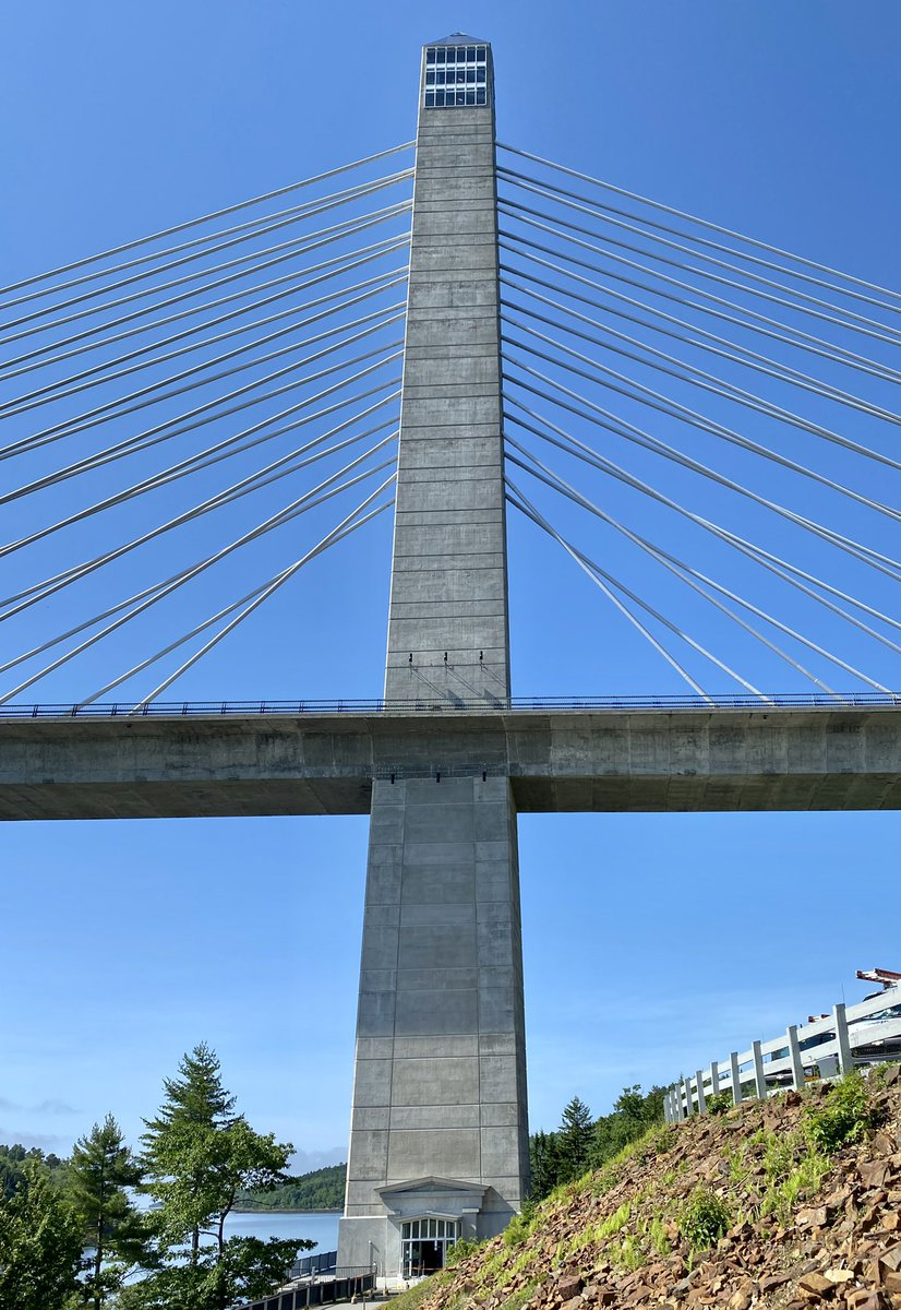 Where is the worlds tallest public bridge observatory?  You were going to say Maine right? You should say Maine, because it's in Maine.   The Penobscot Narrows Bridge and Observatory in Bucksport, Maine to be more specific.  #bridges #facts #schooled @visitmaine @BucksportME https://t.co/TVz0YVVg3f