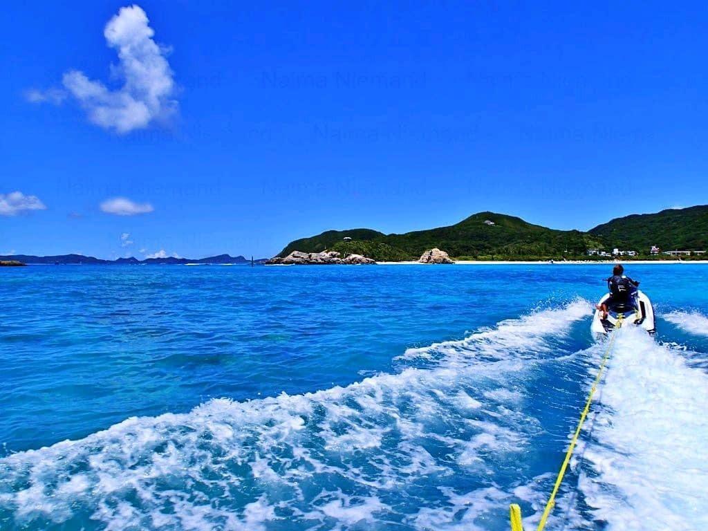 Water activity at Aharen Beach on Tokashiki Island, Okinawa, Japan. 🙂 (Photo taken in August, 2015)⠀ .⠀ #okinawa #keramaislands #tokashikiisland #okinawa #japan #aharenbeach #tropicalsea #turquoise #jetski #marineactivity #wateractivity #snorkeling #vacation #misstraveling #… https://t.co/LY1q3k4HSg