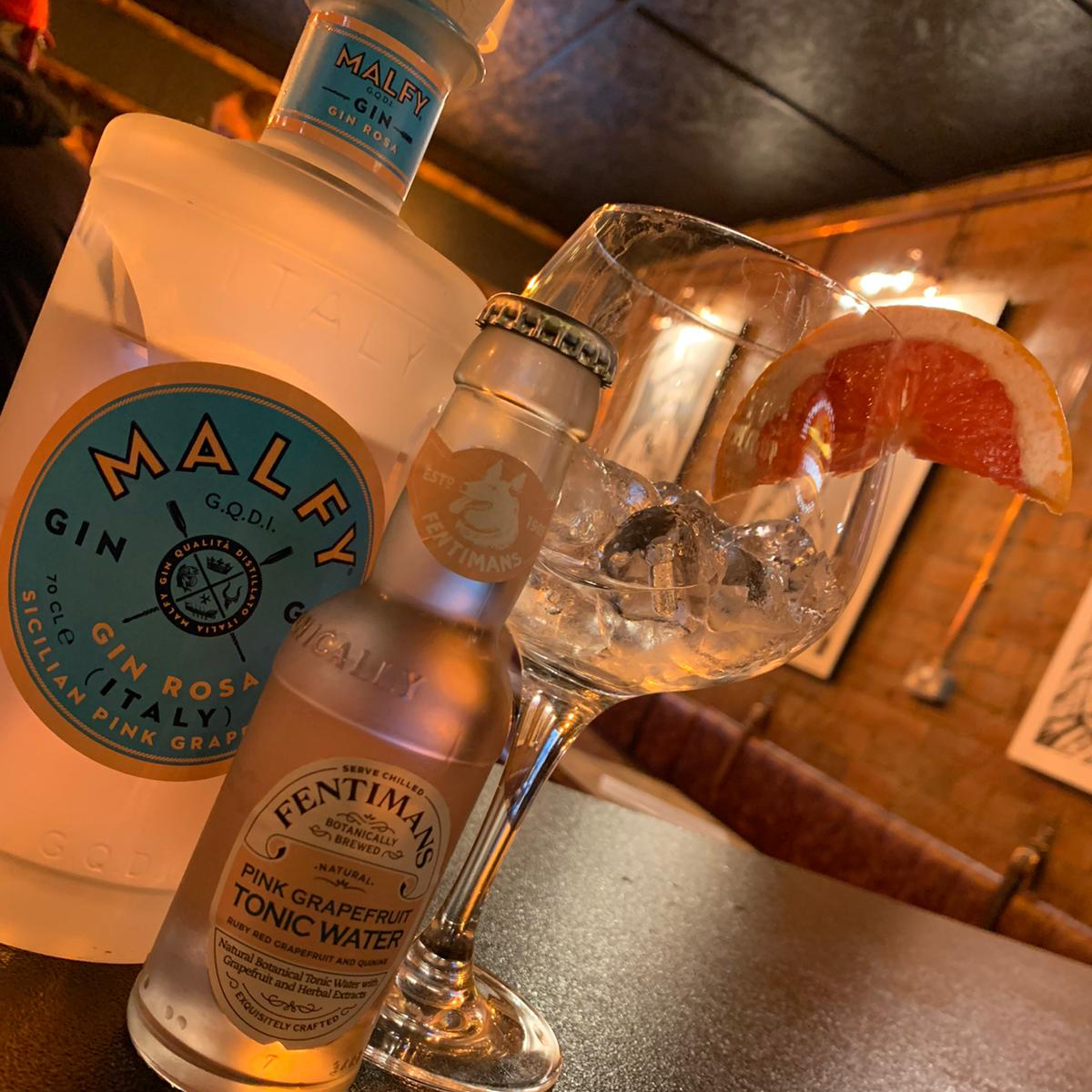 For all the grapefruit fans   This is a beauty  Malfy Gin   #gin #ginbar #ginlovers #ginoclock #grapefruit #doubleupfreemixer #doubleup #localbusiness #loveyourlocal #supportyourlocal #smallbusinesspic.twitter.com/A1ZP3mmLwj