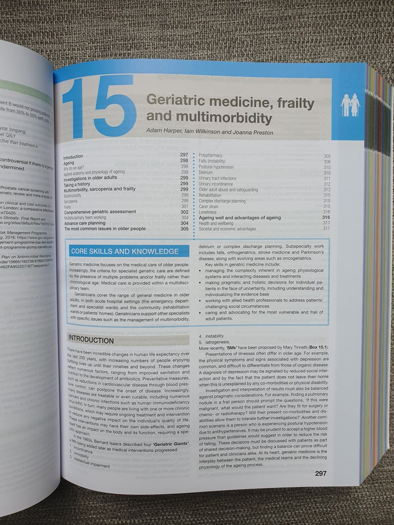 So proud to have written the first ever chapter on Geriatric Medicine for the Kumar & Clark textbook with the excellent @geriatricsdoc + @SlowingS and to be part of educating a future generation of clinicians. Feel old seeing it next to my med school finals copy!! @GeriSoc https://t.co/8D4VvdNBJP