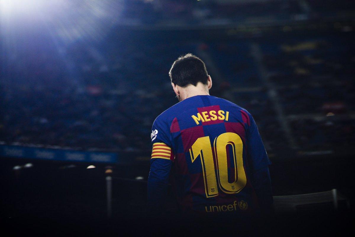 700 goals #Messi700 ✅ 296 assists #Messi300 996 goals + assists #Messi1000 https://t.co/2uVjJGapsi