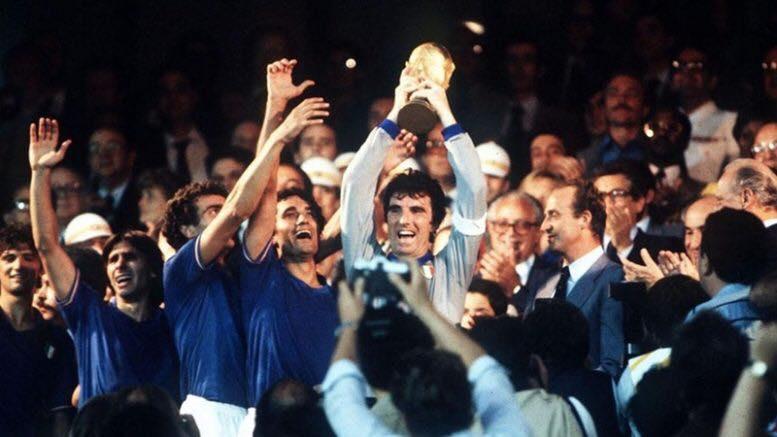 #11luglio 1982 #OnThisDay #OnThisDayInFootball pic.twitter.com/rBxRJO7E6i