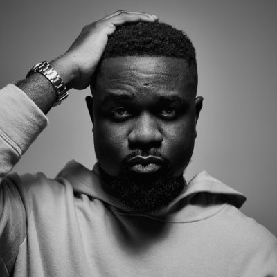 We are dedicating the first hour of #ShowbizAtoZ to @sarkodie   What's your favourite track from the Highest? @DJWOBETI42 will be on the turntable to make it happen.   Comment with the hashtag #ShowbizAtoZ https://t.co/MCl867RYTF