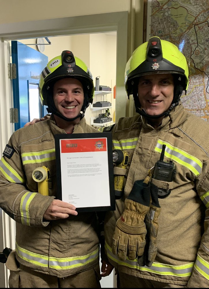 Borough Commanders Letter Of Congratulations presented this morning to FF Somers (R) by Station Officer Cutbill of Eastham White Watch for his meritorious life saving actions at a house fire in Manor Park. #ProfessionalFireFighters 🔥 #Proud https://t.co/1ywKrrbvQX