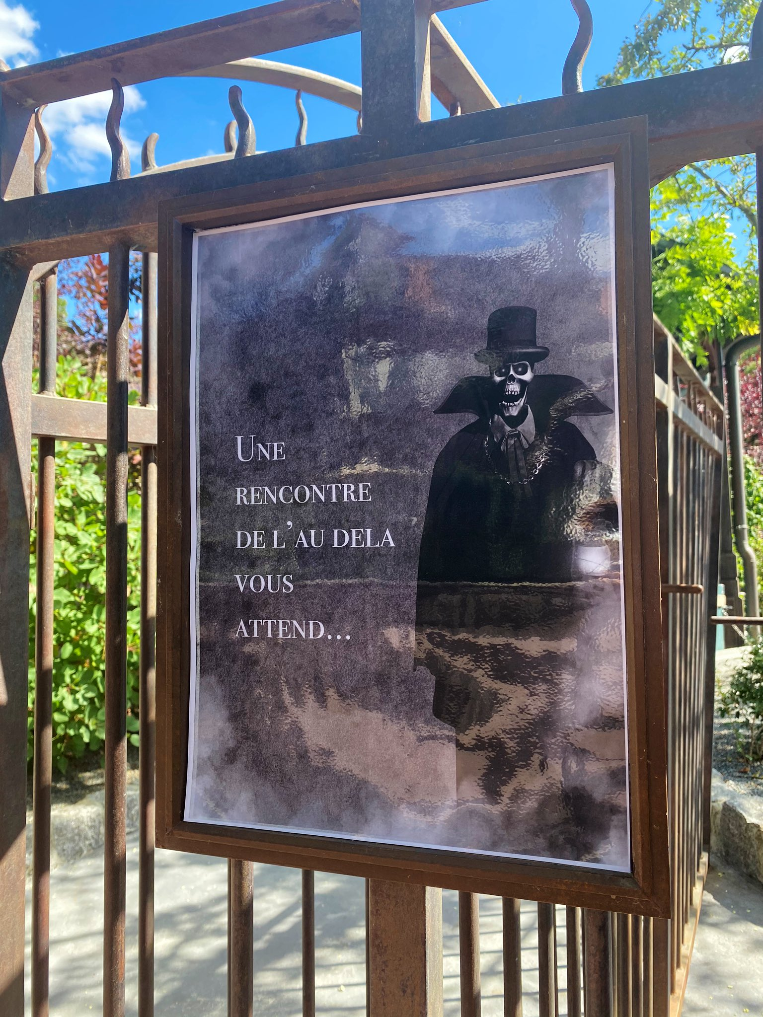 Disneyland Paris ouvert pendant la COVID-19 (juillet-octobre 2020)  - Page 2 EcpxkBfXgAAQhyF?format=jpg&name=large
