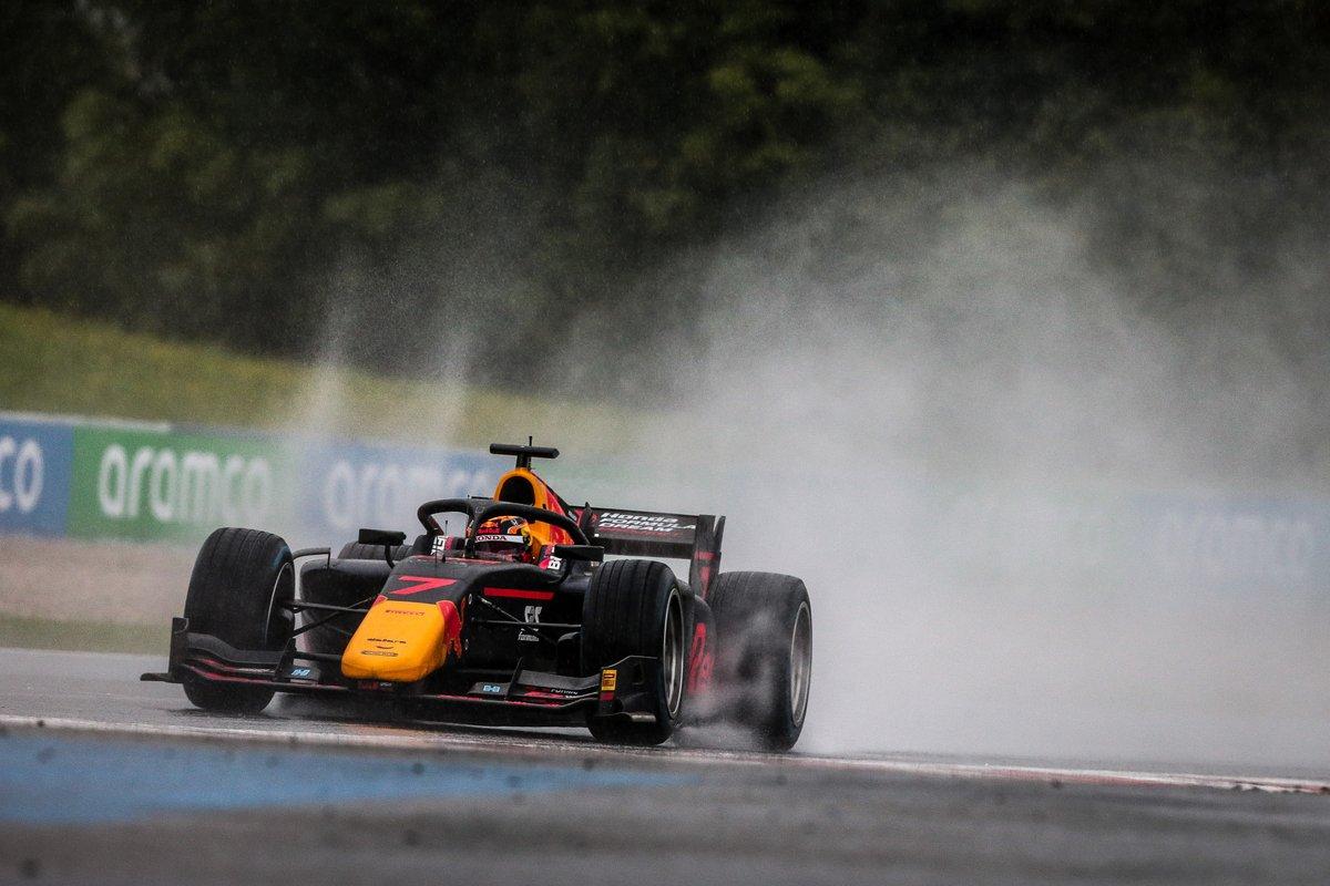 FIA #F2 第2戦のレース1がレッドブルリンクで行われました。雨天でのレースとなり、参戦2戦目の角田裕毅選手が初表彰台を獲得しました! レースレポート、選手のコメントはこちらから https://t.co/wCOwcZx3jY #ホンダモースポ https://t.co/6UsmrL0aSN