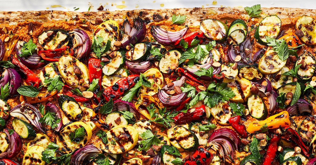 Do you have a tendency to buy too much produce at the farmers market? This delicious grilled flatbread is the perfect vehicle for your fresh finds!  #recipe #flatbread #localfood #farmersmarket