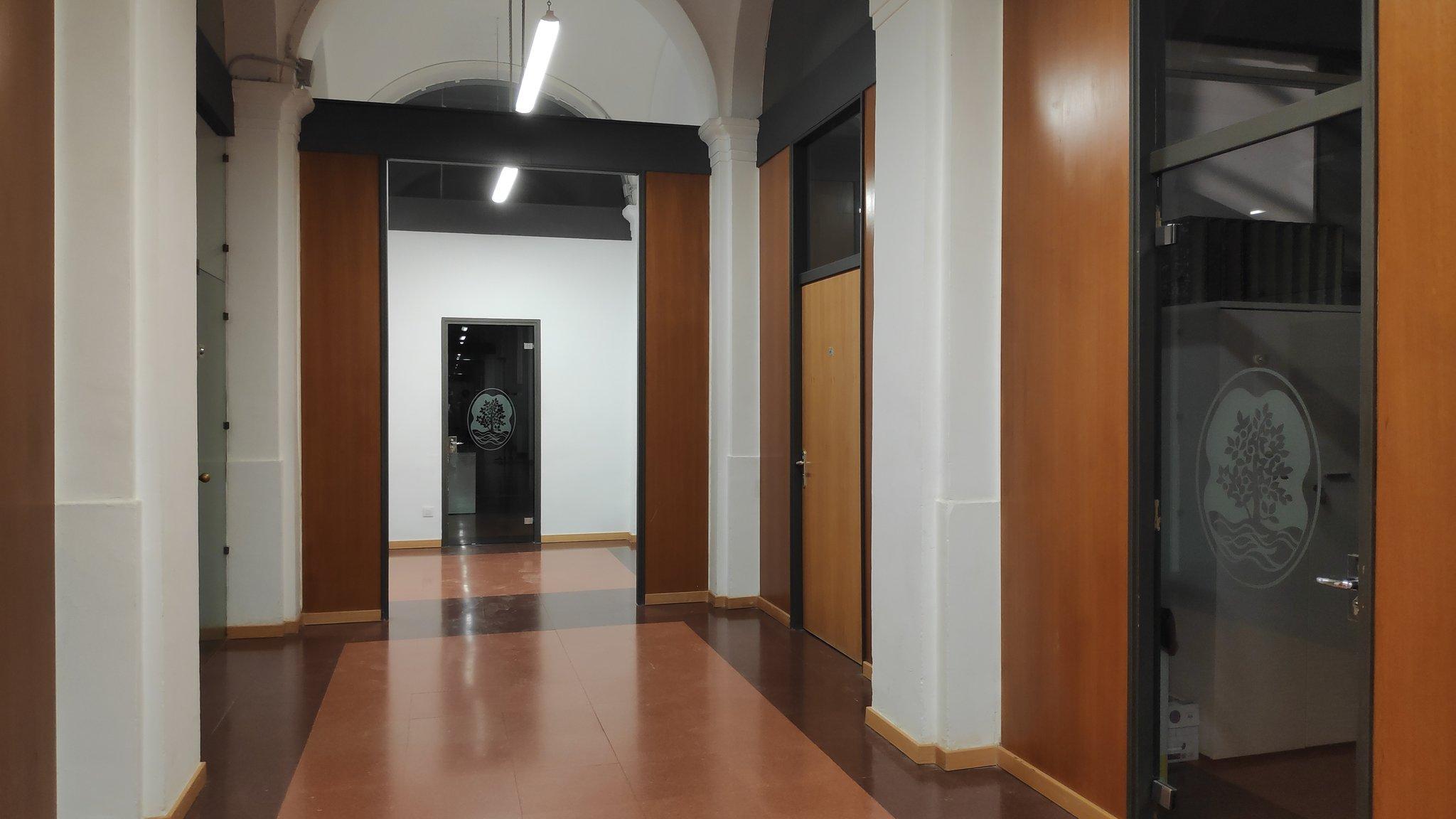 Pasillos del interior de la casa Xifré. Crédito: Sombras en la noche