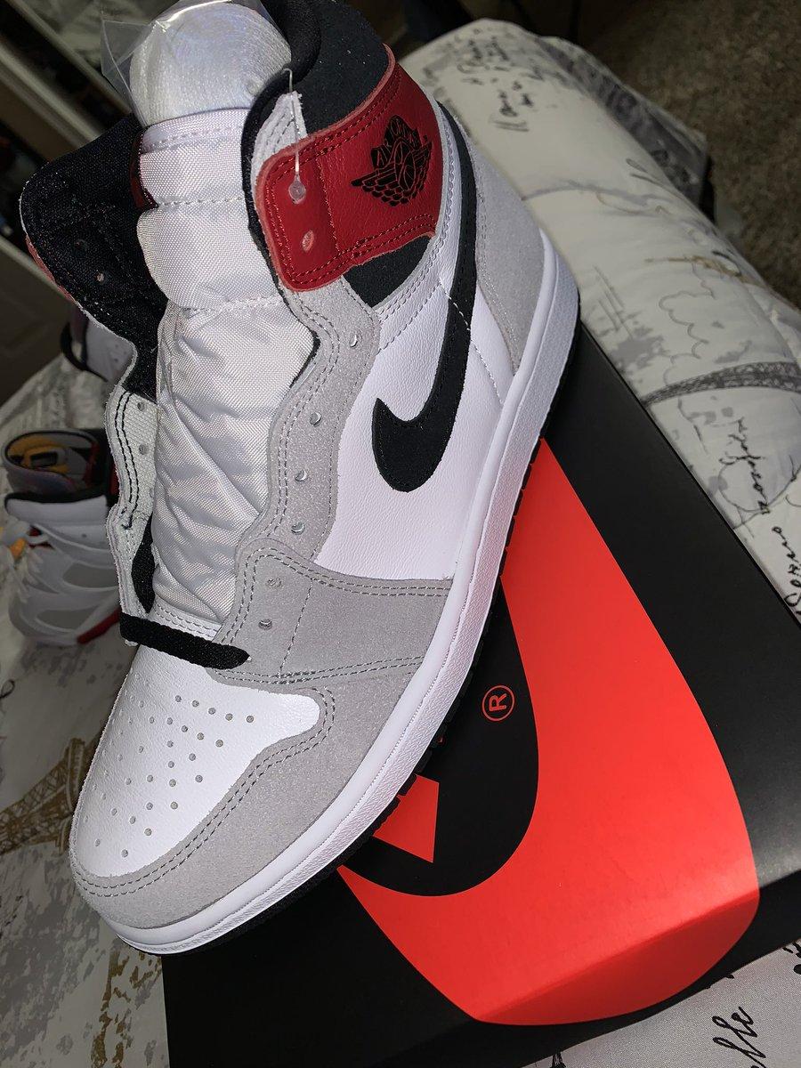 My raffle pick up.. #Sneakerheads #aj1fam #sneakerjunkie #sneakeraddict #sneakerfam https://t.co/mDXf3sEbLD