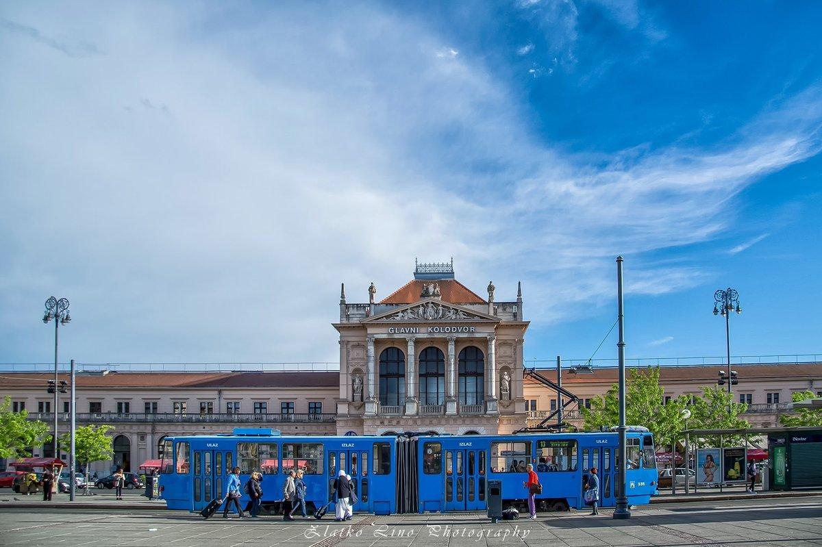 #building #tram #cityphoto #urbanphoto #photography #travel #ilovezagreb #city #zagreb #croatiapic.twitter.com/fIjhzxQZKK