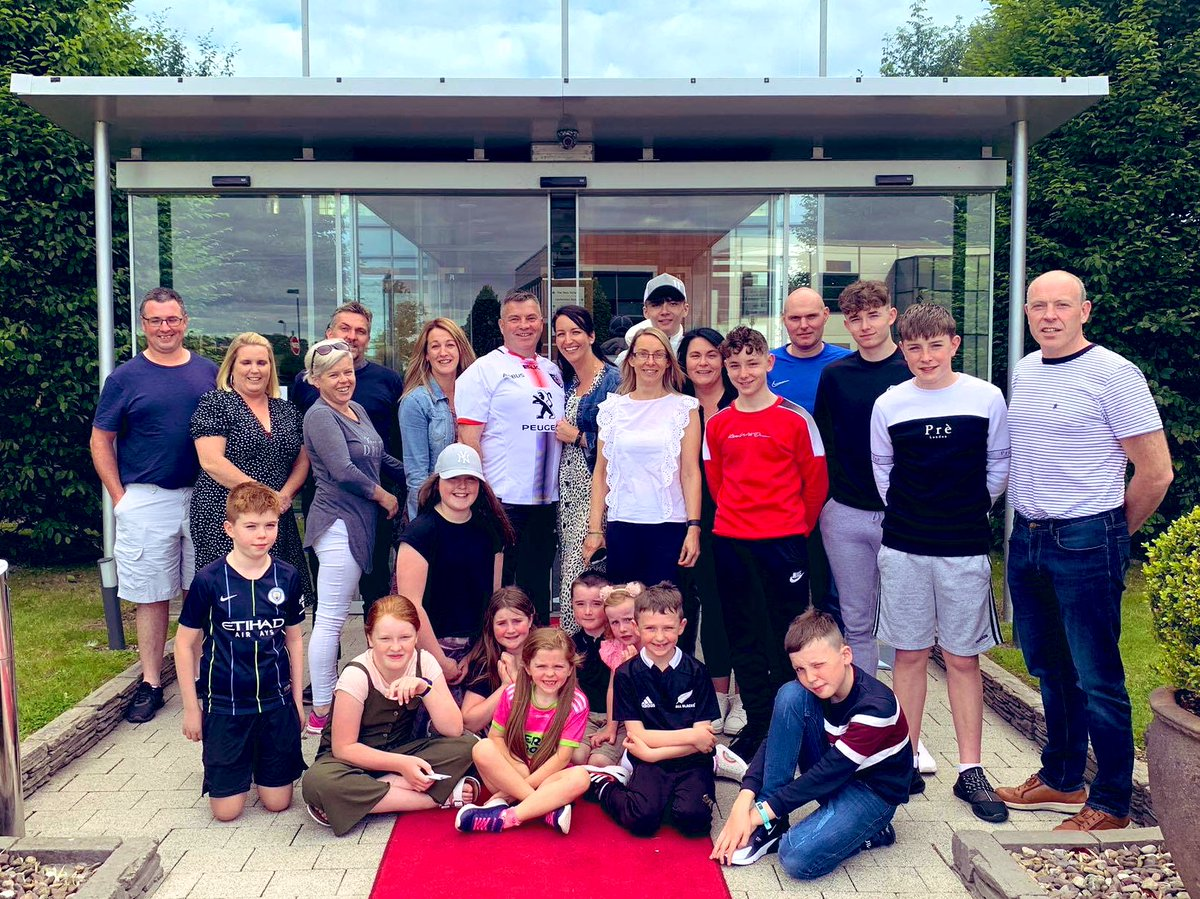 What a wonderful weekend with our winning family @Rainbowclubcor2 fundraiser. Gemma and extended family checked in yesterday and are out and about enjoy everything that's #purecork #familytime https://t.co/dA9JpDerkc